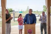 Governor Nixon speaks to trail supporters
